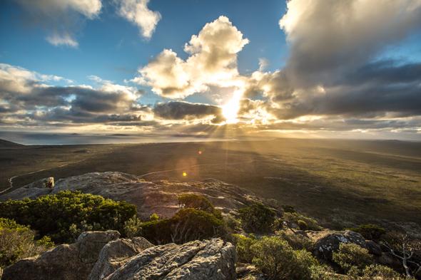 Faszinierende An- und Aussichten am Frenchman's Peak bei Esperance (Foto Greg Snell)