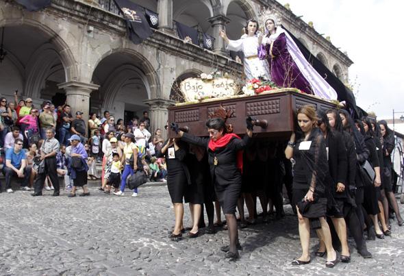 In der Osterzeit gibt es in Guatemala traditionell zahlreiche christliche Prozessionen.