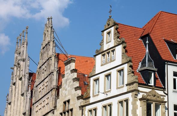 Pittoresk und faszinierend: die Giebelhäuser am Prinzipalmarkt in Münster. (Foto Karsten-Thilo Raab)