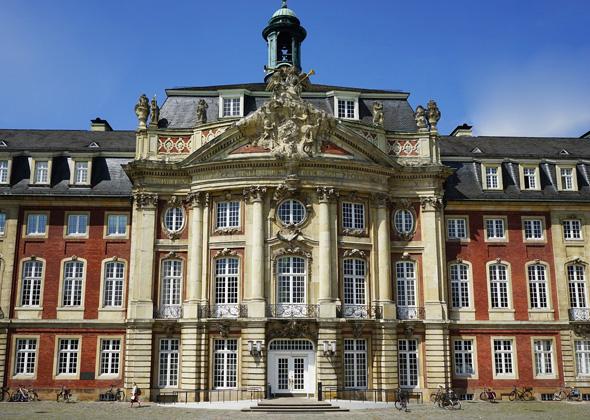 Das Münsteraner Schloss beheimatet heute die Verwaltung der Universität.