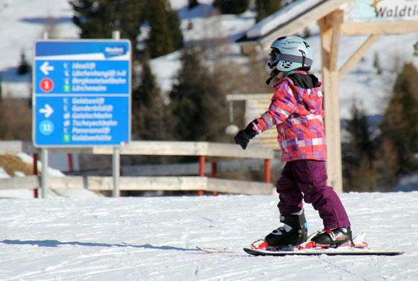 Auch die jüngeren Skihasln finden am reschenpass ideale Bedingungen für die ersten Erfahrungen auf den Brettern. (Foto Ulrike Katrin Peters)