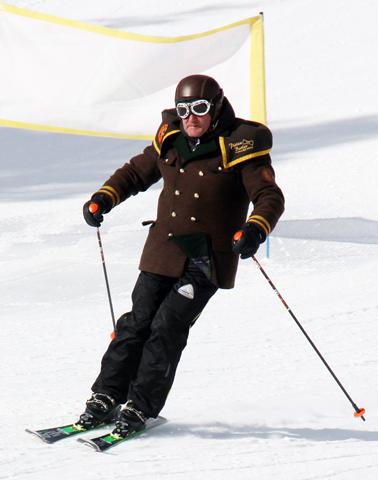 Auch auf Skiern macht der gelernte Koch und frühere Skilehrer eine gute Figur. (Foto Karsten-Thilo Raab)