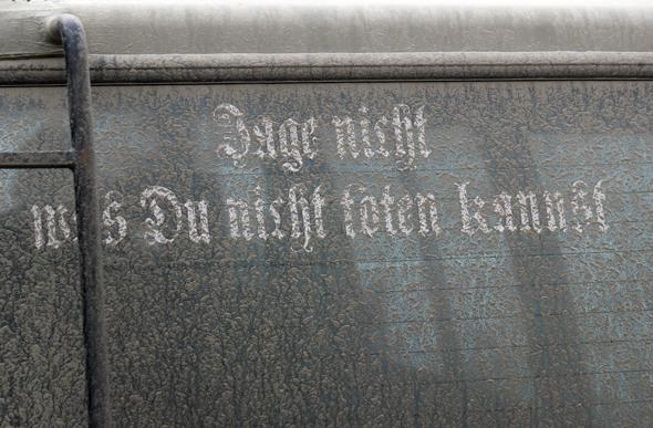 Die Aufschrift auf Gerhard Schaffers Wagen zeugt von seiner Einstellung als Jäger. (Foto Karsten-Thilo Raab)