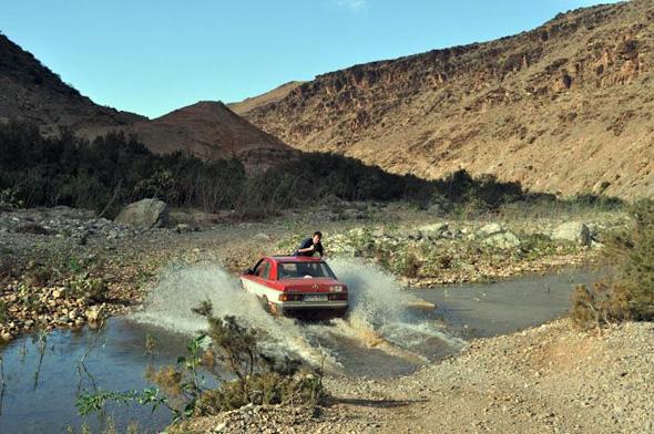 """Zahlreiche Härteprüfungen für Mensch und Fahrzeug sind Teil von """"Dust and Diesel""""."""