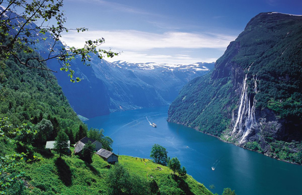 Norwegens Fjordlandschaften wie hier am Weltnaturerbe Geiranger üben eine magisches Anziehungskraft aus.