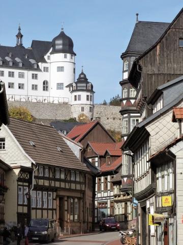 Hoch über der Stadt thront das Stolberger Schloss
