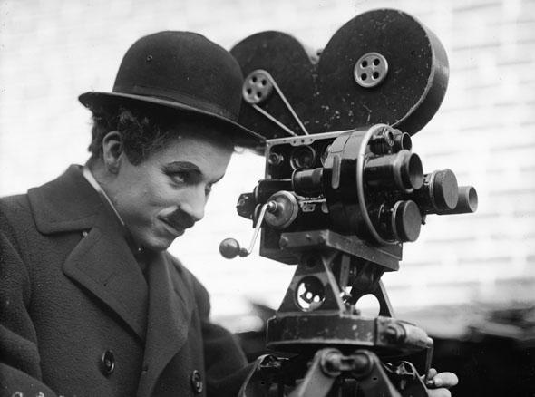 """Unvergessen: Charlie Chaplin - hier in """"Modern Times """" im Jahre 1926. (Foto Yves Debrain)"""