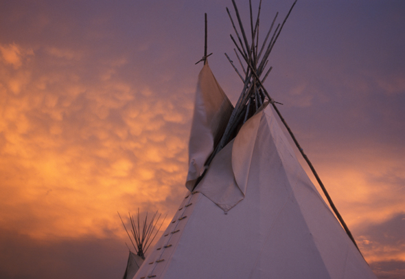 Traditionelle Tipis sind bei den North America Indian Days in Montana zu bewundern. (Foto Donnie Sexton)