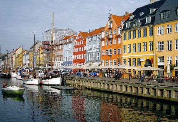 Auch die Hauptstadt Kopenhagen lässt sich perfekt mit dem Rad erkunden und ist an zahlreiche Radwege angebunden.
