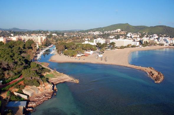 Der einzige Fluss der Balearen mündet in Santa Eulària ins Meer.