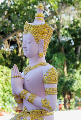 Buddha-Figur am Wat Khunaram Tempel. (Foto Karsten-Thilo Raab)