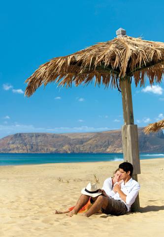 Gleich neun Kilometer feisnter Sandstrand nennt Porto santo sein Eigen. (Foto Associação de Promoção da Madeira)