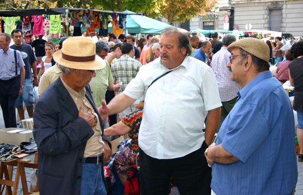 Ein Muss für jeden Madrid-Aufenthalt: ein Abstecher zum Rastro Flohmarkt. (Foto Karsten-Thilo Raab)