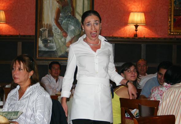 Im Restaurant La Favorita ausgebildete Opernsänger mit ihren Gesangsdarbietungen für die eigentliche Würze der ohnehin exzellenten Küche. (Foto Karsten-Thilo Raab)
