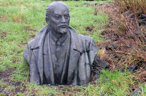 Prominentester Kopf in der Kommunistenkurve im Seepark Lünen: Wladimir Iljitsch Lenin. (Foto Karsten-Thilo Raab)