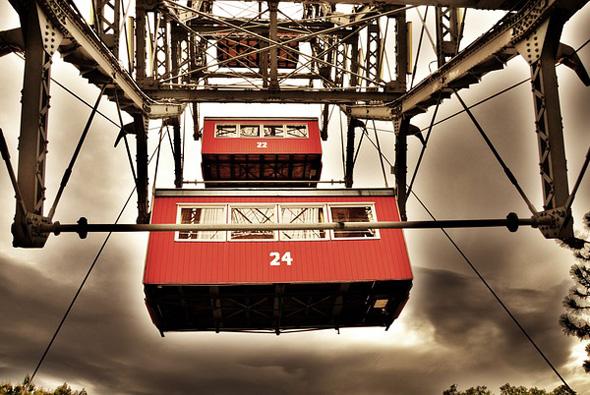 Seit dem Jahre 1897 ist das Riesenrad das weltweite Symbol für Wiens berühmten Vergnügungspark.