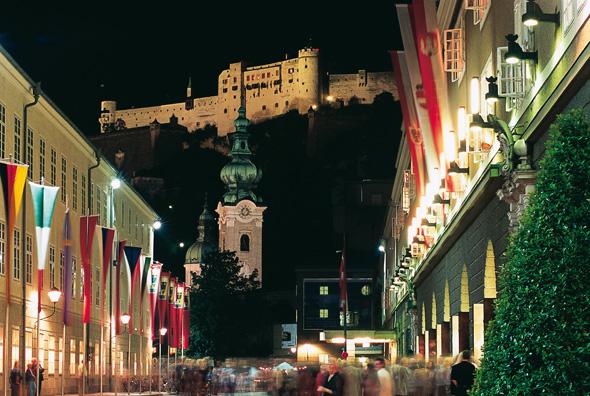 Während der traditionellen Festspiele wird Salzburg zum Mekka der Kulturbeflissenen aus aller Welt.