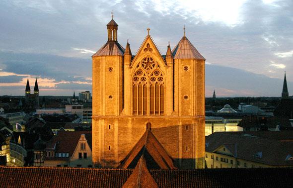 Im historischen Zentrum Braunschweigs steht der Dom St. Blasii. (Foto: Gisela Rothe)