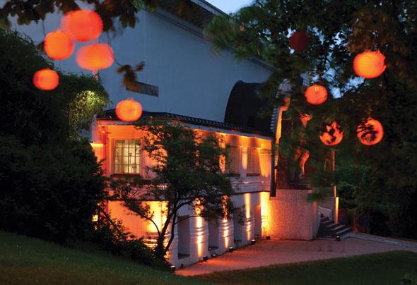 Jugendstiltage: Tausende Lampions und Windlichter verwandeln die Künstlerkolonie Mathildenhöhe in ein Lichtermeer. (Foto: Rüdiger Dunker)