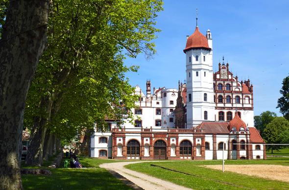 Das Schloss Basedow gehört zu den bedeutendsten Schlossanlagen in Mecklenburg-Vorpommern. (Foto Martin Simon)