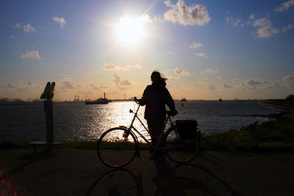 Vor allem die Küstenregionen - wie hier bei Hoek van Holland - erfreuen sich bei Radfahrer großer Beliebtheit. (Foto Karsten-Thilo Raab)