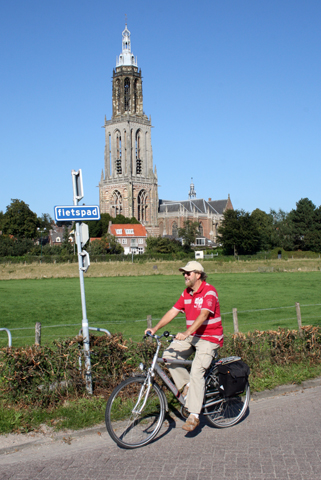 Für Radfahrer finden sich in den Niederlanden - wie hier bei Rhenen - ideale Bedingungen. (Foto Karsten-Thilo Raab)
