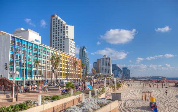 Tel Aviv steht nicht nur für Kultur, Design und eine hippe Szene, sondern auch für Badevergnügen. (Foto Staatliches Israelisches Verkehrsbüro)