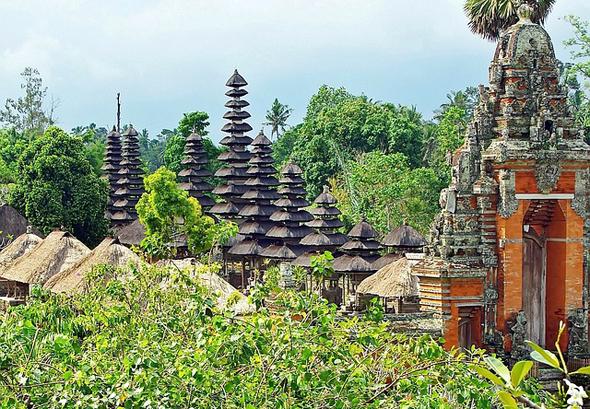 Nicht nur Bali mit seinen beeindruckenden Tempelanlagen gehört zu den beliebten Zielen des Inselreichs.