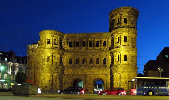 In Trier mit der markanten Porta Nigra ist dann das Ende des Mosel Caminoi erreicht - aber nicht das Ende des Jakobswegs.
