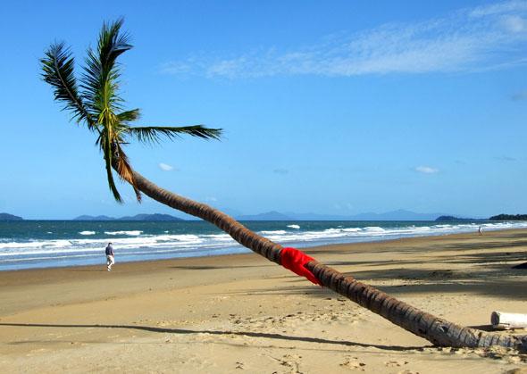 Strandtraum in Queensland: Mission Beach südlich von Cairns. (Foto Katharina Büttel)