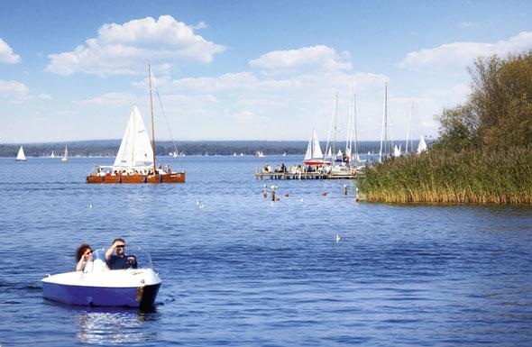 Das Steinhuder Meer bei Hannover bietet flache Badezonen und viel Platz für Wassersport. (Foto: Christian Wyrwa)