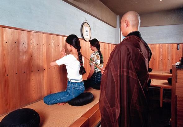 Die Sitzmeditation ist in Japan weit verbreitet. (Foto JNTO)