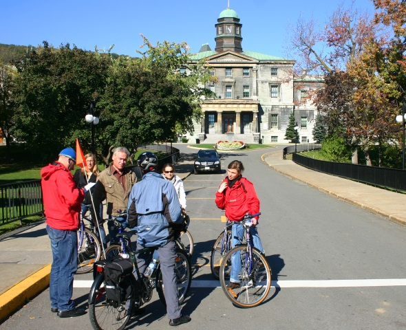 Stopp an der alt-ehrwürdigen McGill University. (Foto Karsten-Thilo Raab)