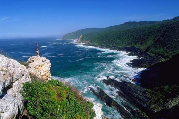 Spektakuläre Küstenabschnitte lassen sich an der Wildcoast von Südafrika erwandern. (Foto South African Tourism)