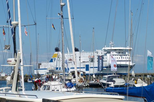 Mehr Kreuzfahrtschiffe denn je werden in diesem Jahr in Rostock-Warnemünde erwartet.