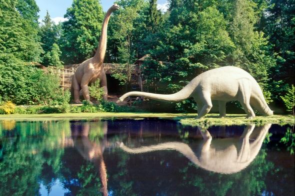 Über 200 lebensgroße Dinosaurier können im Ortsteil Kleinwelka bestaunt werden. (Foto: Juliane Mostertz)