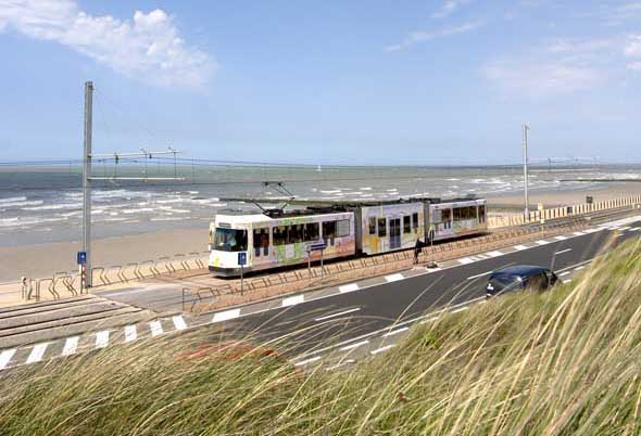 Auf ihrer 69 Kilometer langen Strecke führt die Küstenbahn zu zahlreichen Museen und Kunstwerken. (Foto: Visit Flanders)