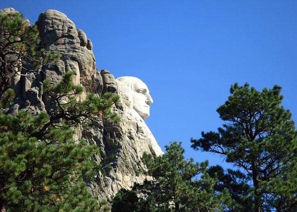 Entlang des Presdential Trails gibt es zahlreiche famose Blickachsen auf das Monument.