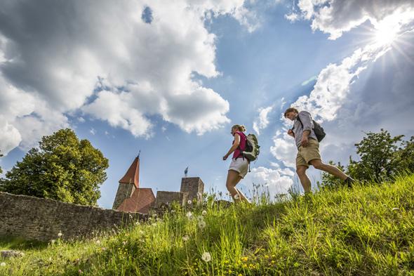 Der Oberpfälzer Wald verfügt - wie hier an Burg Leuchtenberg - über die größte Burgendichte in Deutschland. (Foto Tourismuszentrum Oberpfälzer Wald)