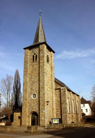 Startpunkt für die Tour entlang des Segensweges ist St. Johannis-Kirche im Ortsteil Ergste. (Foto Karsten-Thilo Raab)