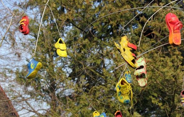 Die Skulptur Segensbaum von Burkhard Vielhauer soll die Verbindung zwischen Himmel und Erde beschreiben. (Foto Karsten-Thilo Raab)