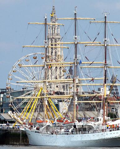 Im belgischen Antwerpen sind beim Tall Ship Race zahlreiche prächtige Segelschiffe zu bestaunen. (Foto Visit Antwerpen)