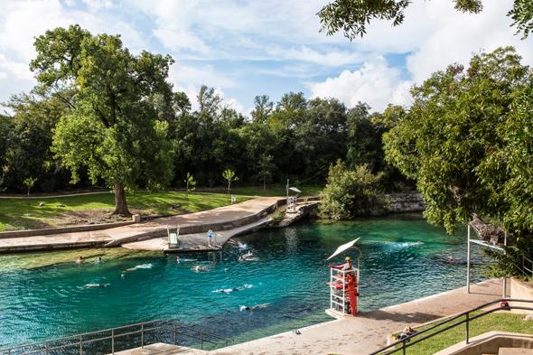 Tummelplatz für Freigeister: die Barton Springs. (Foto Austin Convention & Visitors Bureau)