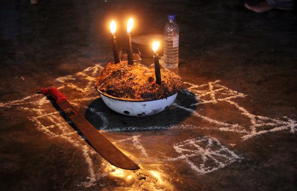 Das besondere Karibikerlebnis: Voodoo beim Schamanen Edward. (Foto Karsten-Thilo Raab)