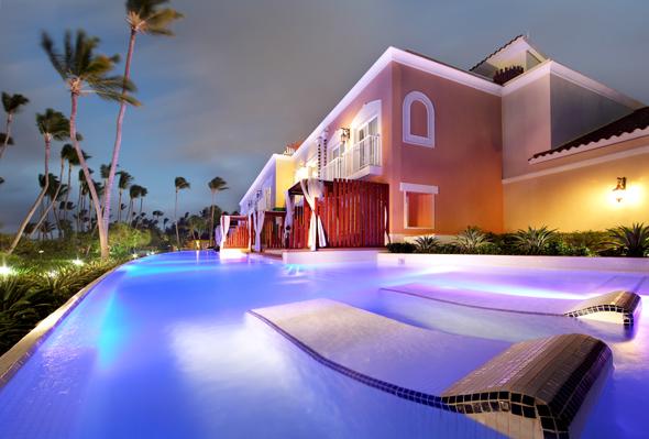Direkt am Strand gelegen und mit eigenem Pool sind ie Junior Suiten im Grand Palladium Bávaro. (Foto Palladium Group)