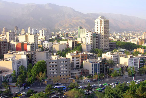 Für den Iran - hier ein Blick auf die Hauptstadt Teheran - gibt es nun Drei-Monats-Visa.