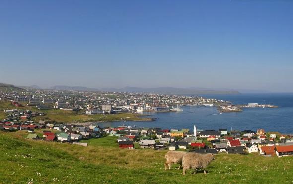 Blick auf die Inselkapitale Torshavn von Hamarinum aus. (Foto Olavur Fredriksen)