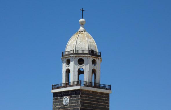 Weithin sichtbar: die Kirche San Miguel in Teguise. (Foto: Michael Will)