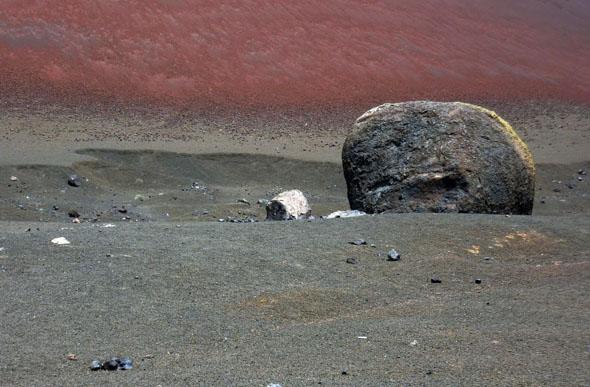 Vulkanische Bombe an der Montaña Colorado. CFoto: Michael Will)