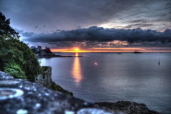 Nicht nur während der Sonnenuntergänge gibt sich die Bretagne überaus malerisch.